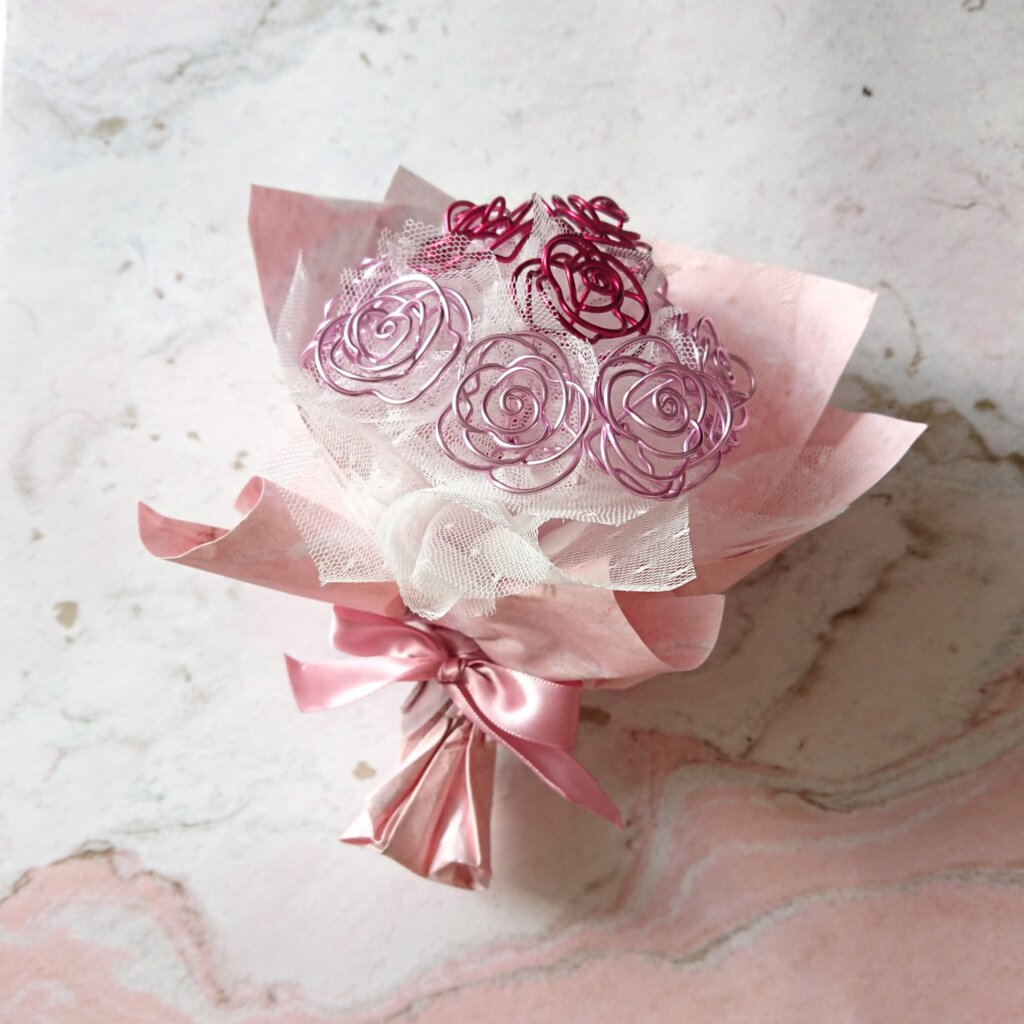Wire rose bouquet